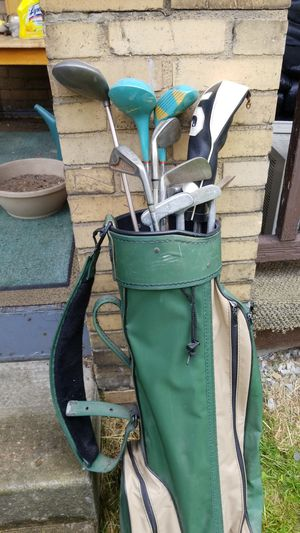 Golf Clubs w/ Golf Bag for Sale in Pittsburgh, PA