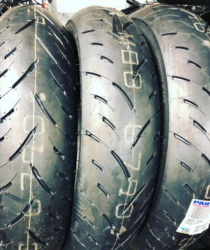 Dunlop sport max tire for Sale in Brooklyn, NY