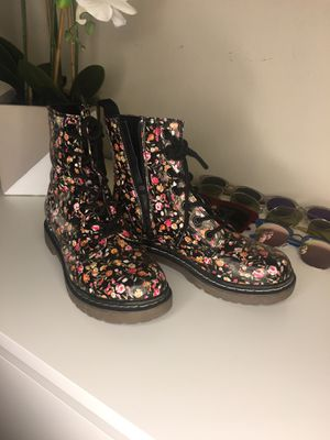 Doc Martin look alike Rain boot 7.5 for Sale in Emerald Hills, CA