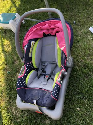 Baby car seat for Sale in Union Gap, WA