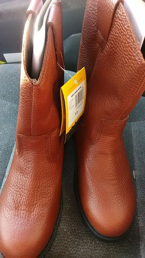 Steel toe boots for Sale in Bakersfield, CA