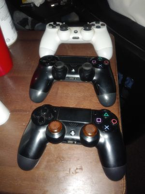 3 PlayStation 4 remotes for Sale in North Providence, RI