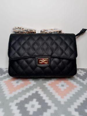 Black leather handbag for Sale in Miami, FL