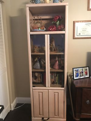 Display cabinets for Sale in Bay Lake, FL