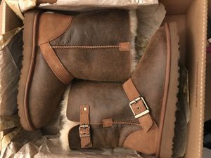 UGG W Classic Short Dylyn Size 7 New for Sale in Cunningham, VA