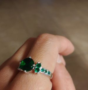 Emerald looking ring for Sale in Yuma, AZ