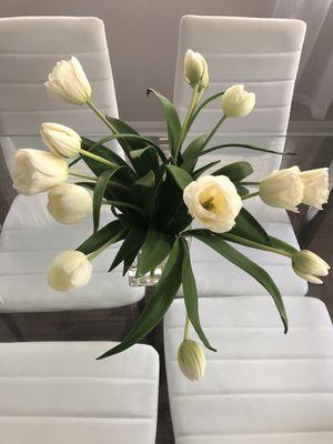 White Fake Flowers w/ Vase for Sale in Katy, TX