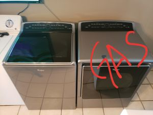 Whirlpool cabrio washer and gas dryer for Sale in Phoenix, AZ