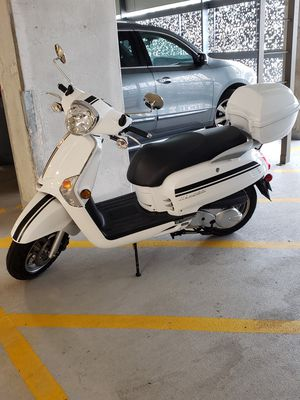 Scooter Kymco Like 200 for Sale in Chicago, IL
