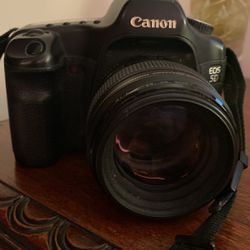 Cannon EOS 5D + 58mm lens for Sale in Los Angeles,  CA