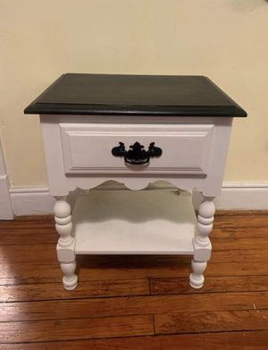 Antique night stand for Sale in Richmond, VA