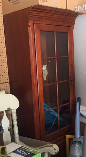 $65 7-8 FT Cabinet / Book Shelf for Sale in Westerville, OH