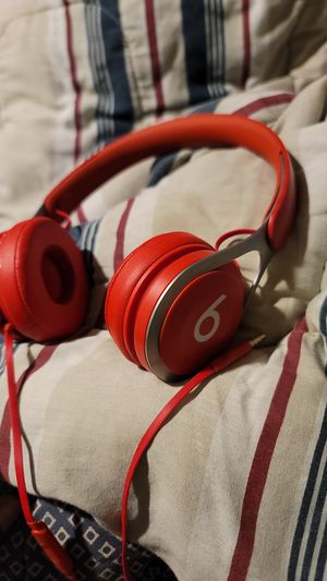 Beats head phone selling for 50 will bring down price to 40 . they work amazing can't use them on my new phone thats why I'm selling them for Sale in Stratford, CT