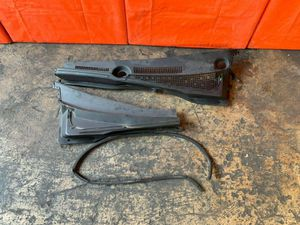 OEM 2004 04 ACURA RSX TYPE S - WINDSHIELD WIPER COWL WITH GASKET for Sale in Miami Gardens, FL