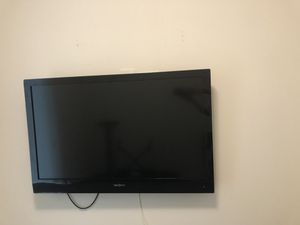 Insignia 48 inch TV television with remote for Sale in Chicago, IL
