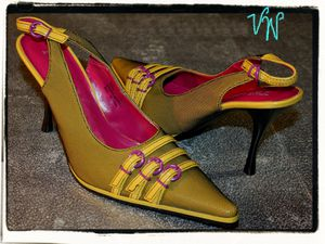 """Vintage 1990s TWO LIPS """"Vanda"""" Yellow Black Fishnet Covered Pointy Toe Slingback Stiletto Heels 6.5M for Sale in Paris, KY"""