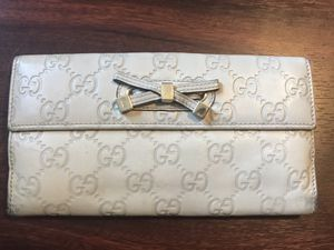 Authentic GUCCI wallet for Sale in Farmersville, TX