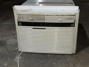 15,000BTU AC Kenmore Window Air Conditioner Unit for Sale in Baytown, TX