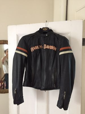 Women's Harley Davidson jacket and hoodie for Sale in Beverly, MA