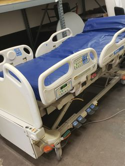 Versacare Hospital Bed 7 Ft Head To Toe 40in Side To Side for Sale in Gaithersburg,  MD