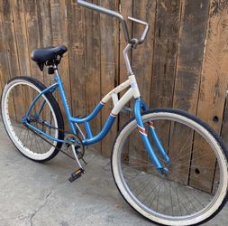Schwinn Beach Cruiser for Sale in Pico Rivera,  CA