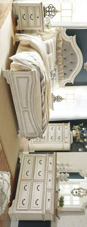 🧿SAMEDAY DELIVERY 🧿SPECIAL] Realyn Chipped White Panel Bedroom Set for Sale in Jessup, MD