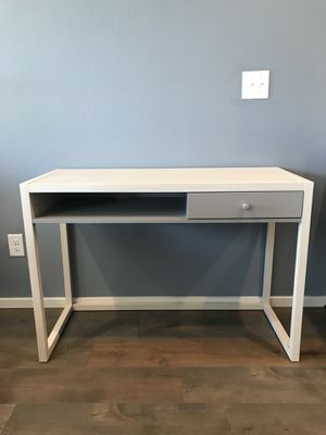 New modern desk , white-off and gray color ! 43 1/2 in L x 18 in W x 30 1/2 in H ! for Sale in Vancouver, WA