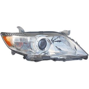 Toyota Camry 2007 to 2011 headlight for Sale in Laurel, MD