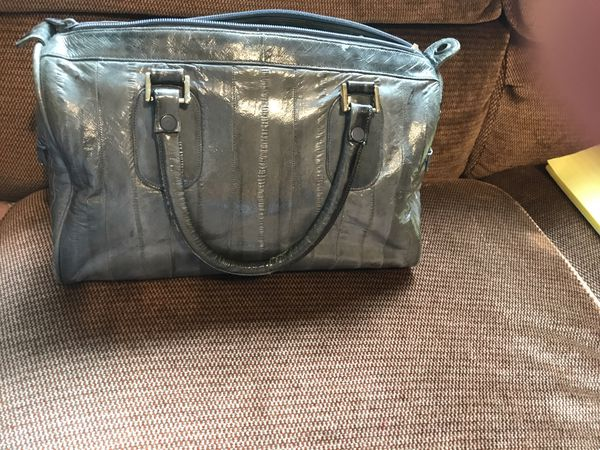 Eel skin grey flashy soft purse with 2 zippers on side for keys/money