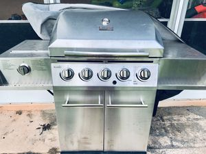 Char Broil Grill - 5 Burner Gas - If Is Posted Is Available for Sale in Grand Island, FL