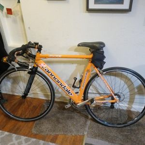 cannondale road bike for Sale in Chico, CA