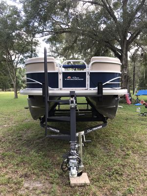 Sun-Tracker party barge dlx for Sale in Spring Hill, FL