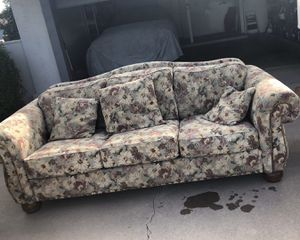 Lazy Boy couch. for Sale in Scottsdale, AZ