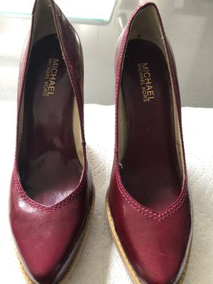 Michael Kors Berry Patent Wood Block Heels Sz 6.5 for Sale in Paradise Valley, AZ