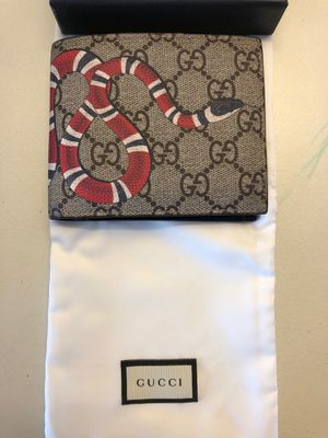 Gucci Kingsnake Print coin Wallet for Sale in Yorba Linda, CA