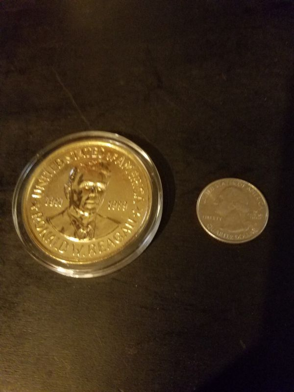 Large Gold Ronald Reagan Presidential Coin