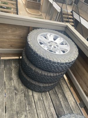GMC Yukon factory rime and tires for Sale in Haslet, TX