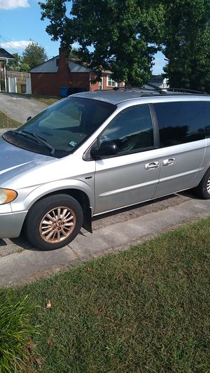 02 Chrysler mini van for Sale in Roanoke, VA