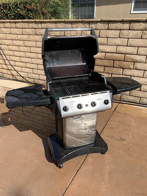 Gas Bbq, works great, moving sale for Sale in La Mirada, CA