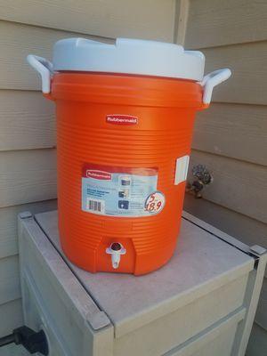 Rubbermaid 5 Gallon Water Cooler for Sale in Atlanta, GA