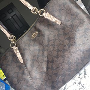 Coach Purse/tote for Sale in Columbus, OH