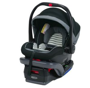 Graco® SnugRide® SnugLock™ 35 DLX Infant Car Seat in Holt for Sale in Las Vegas, NV
