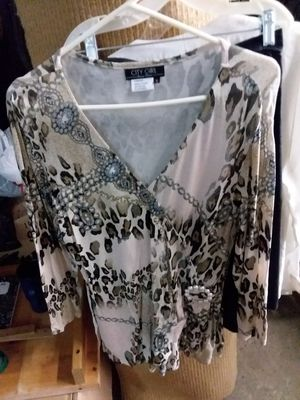 WOMEN'S TUNIC STYLE TOP for Sale in Monroeville, PA
