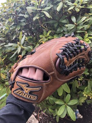 First baseman glove - Softball for Sale in Lake Stevens, WA