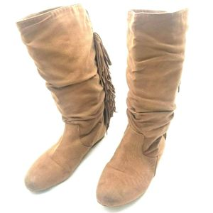 GB Girl's Lively-Girl Fringe Boots Faux Suede Tan Camel Youth Size 3 Boho for Sale in Avondale, AZ