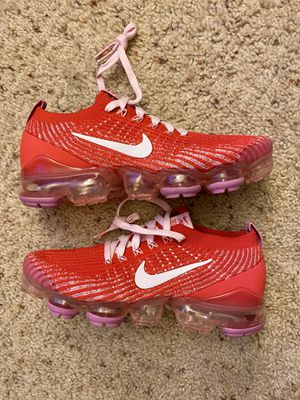 Nike Air Vapormax 3 women's sz 7.5 running shoes for Sale in El Cerrito, CA