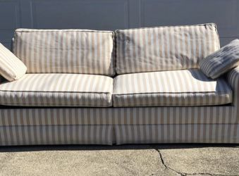 Luxurious Sleeper Couch for Sale in Richmond,  CA