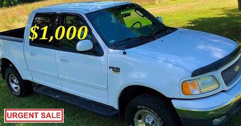 🟢💲1,OOO I m selling URGENTLY this Beautiful💚2OO2 Ford F15O nice Family truck XLT Super Crew Cab 4-Door Runs and drives very smoothly💪🟢 for Sale in Newark,  NJ