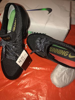 3e9894cc4e3c8 Nike Air Vapormax FlyKnit BHM AQ00924-007 Size 11 LIMITED EDITION for Sale  in Etna