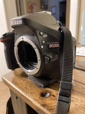 Nikon D5200 DSLR Camera for Sale in Alvin, TX